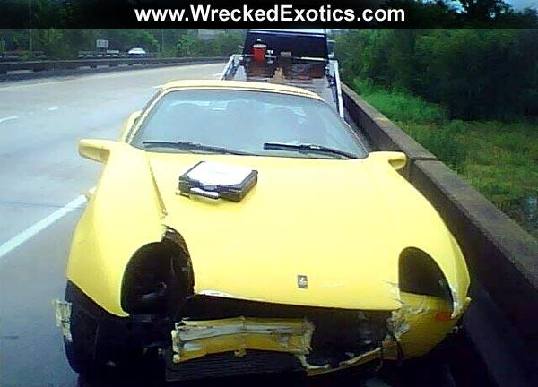 The First Qvale Mangusta Crash