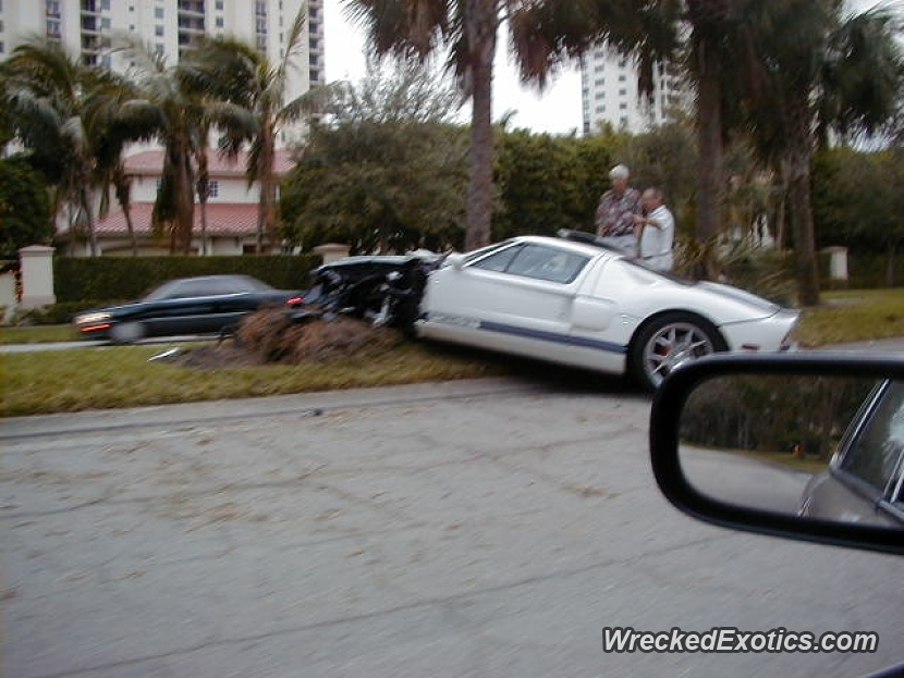 2005 Ford Gt Wrecked In Naples Florida