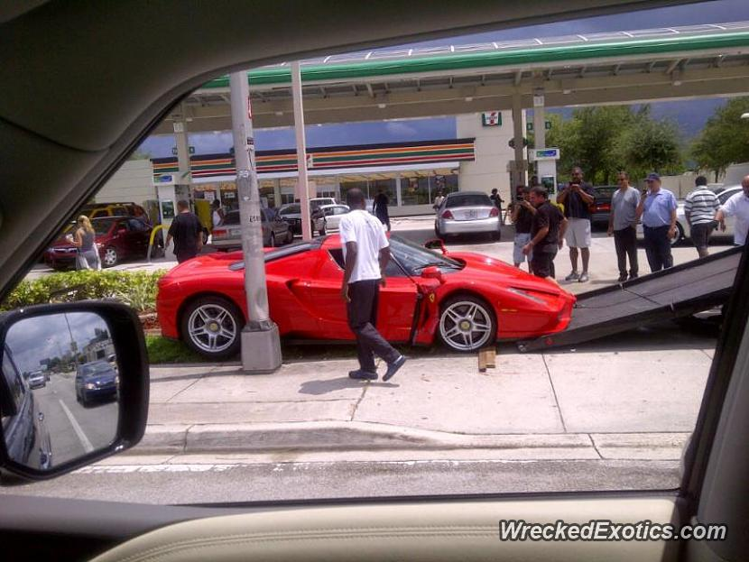 It S Been Awhile Since The Last Enzo Crash But We Finally Have Another One The