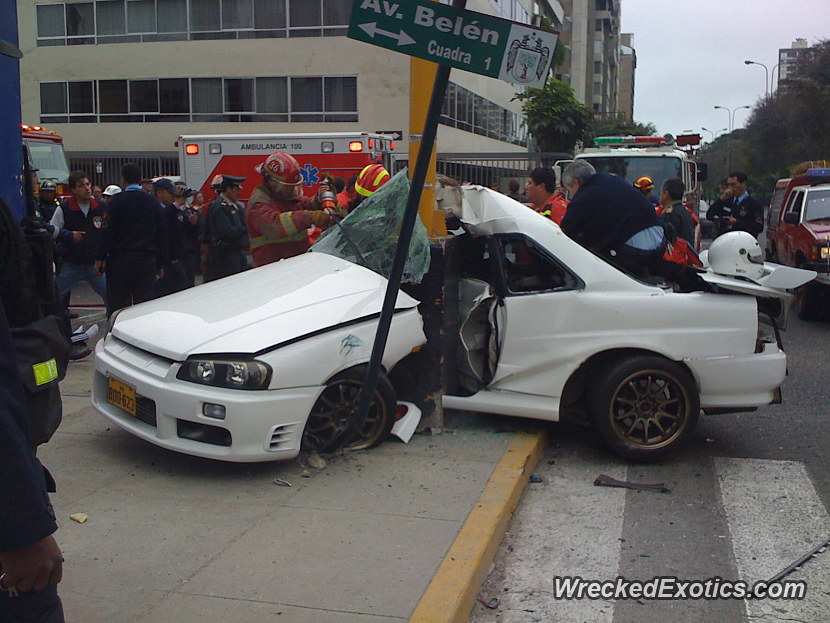 17 Year Old Driver of a Volkswagon Gti Was Trying to Race The ...