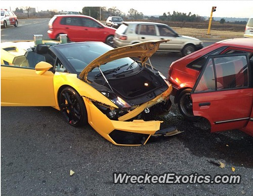 Lamborghini Gallardo Spyder Involved in Fender Bender
