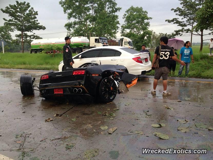 Young Driver Splits Lamborghini Gallardo In Half