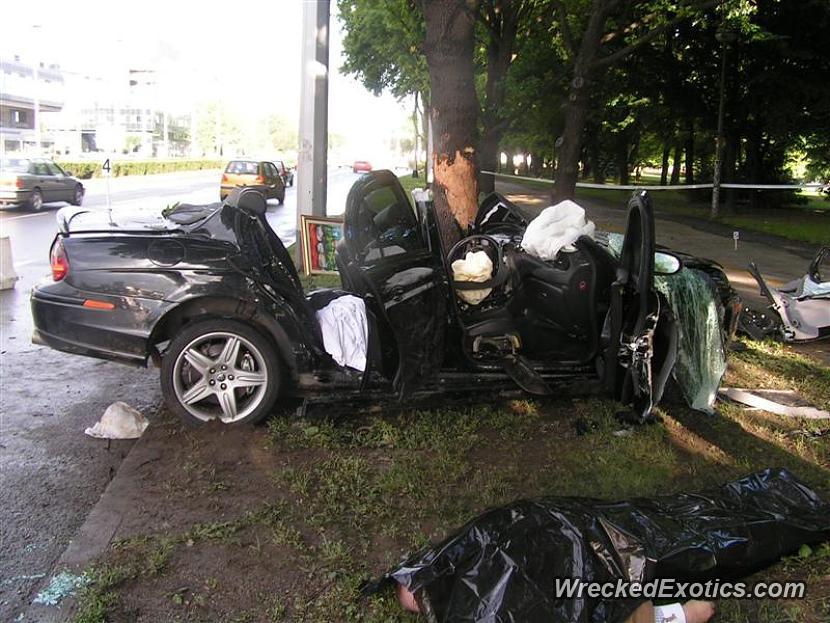 jaguar e type wrecked in zagreb croatia