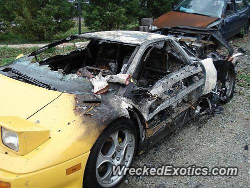 Caught Fire After Owner Only Had If For 2 Weeks. 1991 Lamborghini Diablo.