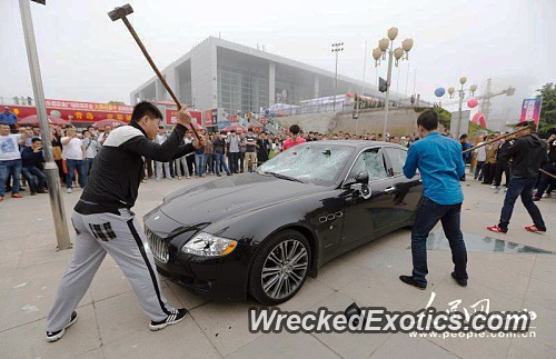 Who Owns Maserati >> Pissed Off Customer Destroying His Maserati Because The