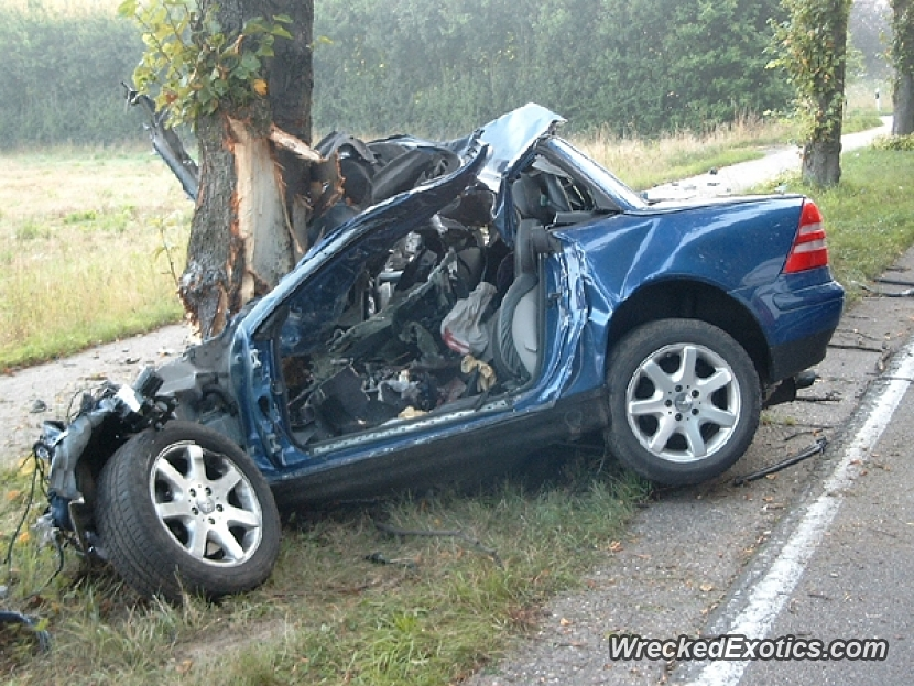 probably the worst slk accident we ve ever seen high