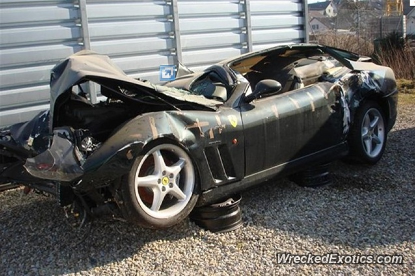 1999 ferrari 550 maranello wrecked in switzerland. Black Bedroom Furniture Sets. Home Design Ideas