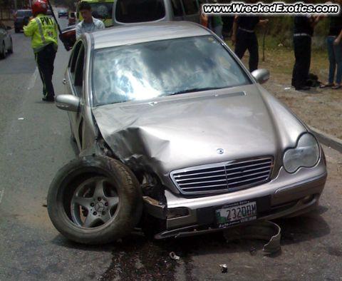 Worst drivers ever! Cclass_20090522_001