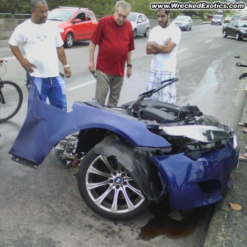 Bmw Z8 Salvage: Be Careful Out There Guys...