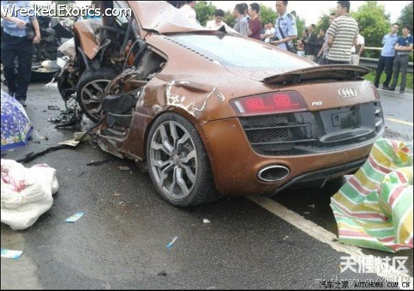 autos de rally chocados