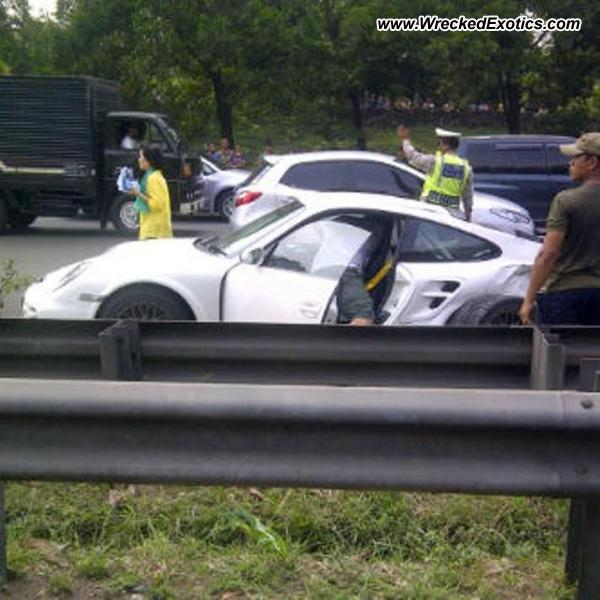 Bmw Z8 Salvage: 2010 Porsche 911 Turbo Wrecked, Jakarta, Indonesia
