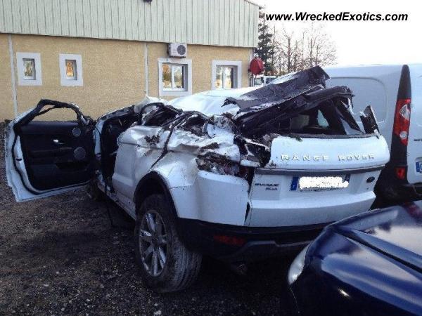 Range Rover Evoque Wrecked France