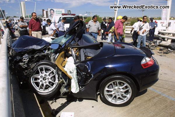 Porsche Boxster Wrecked Zapopan Mexico Photo 3