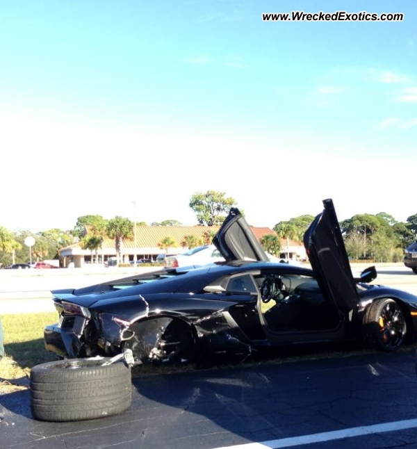 Bmw Z8 Salvage: 2012 Lamborghini Aventador Wrecked, Sarasota, Florida