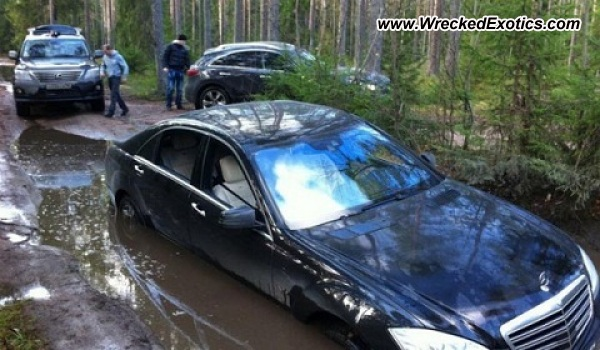 2010 Mercedes Benz S600 Wrecked Russia