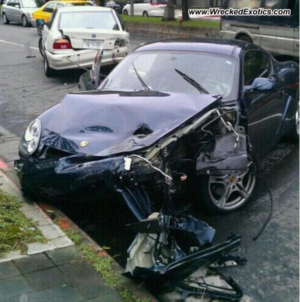 Bmw Z8 Salvage: Porsche Cayman Wrecked, Taipei, Taiwan