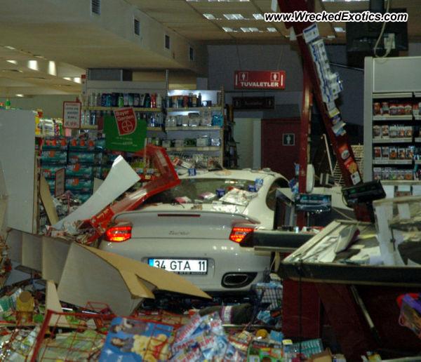 Bmw Z8 Salvage: Porsche 911 Turbo Wrecked, Istanbul, Turkey