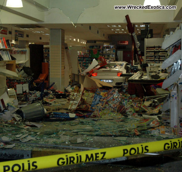 Bmw Z8 Salvage: Porsche 911 Turbo Wrecked, Istanbul, Turkey, Photo #2