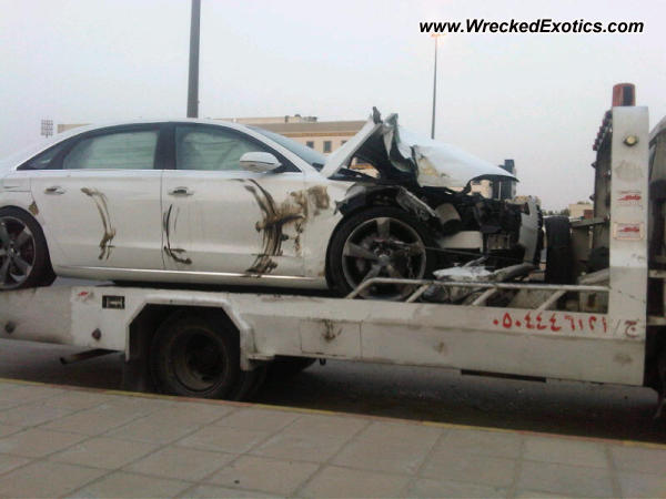 2011 Audi A8l Wrecked Riyadh Saudi Arabia Photo 2