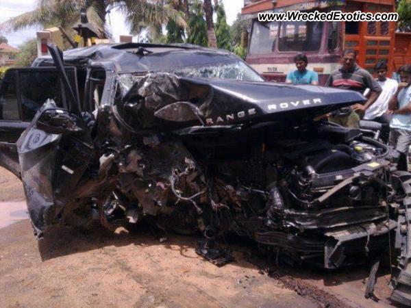 Range Rover Sport Wrecked Mumbai India
