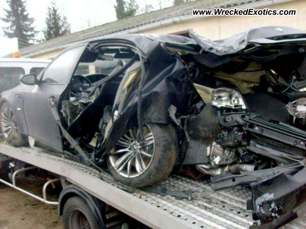 bmw m5 wrecked france