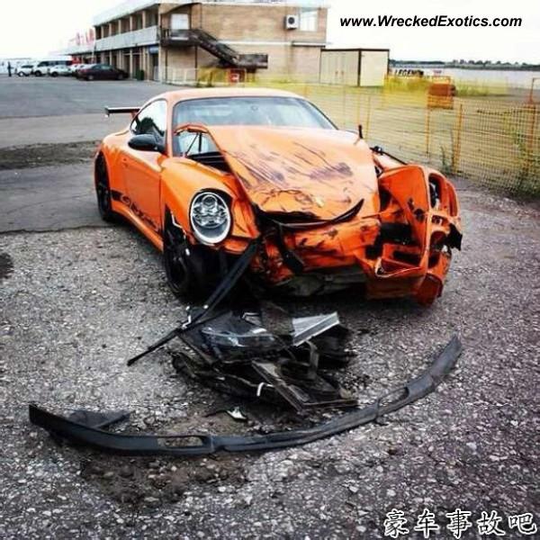 Bmw Z8 Salvage: Porsche 911 GT3 RS Wrecked, China