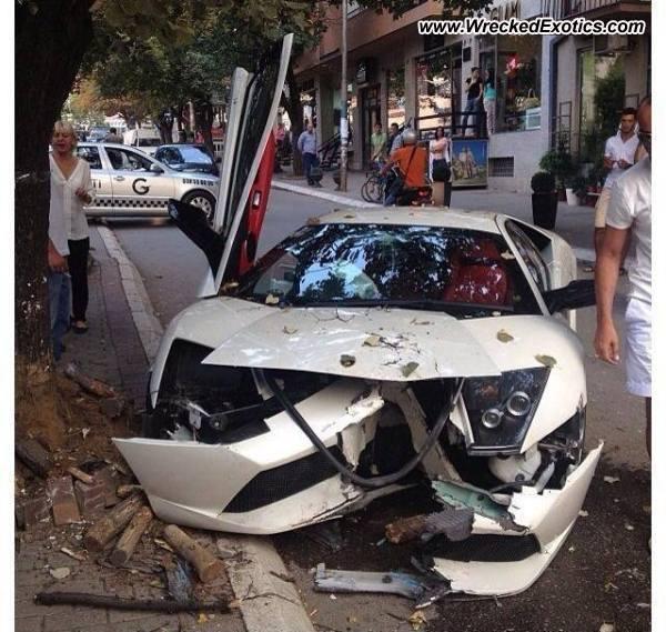 Bmw Z8 Salvage: Lamborghini Murcielago LP-640 Wrecked, Prishtina, Kosova