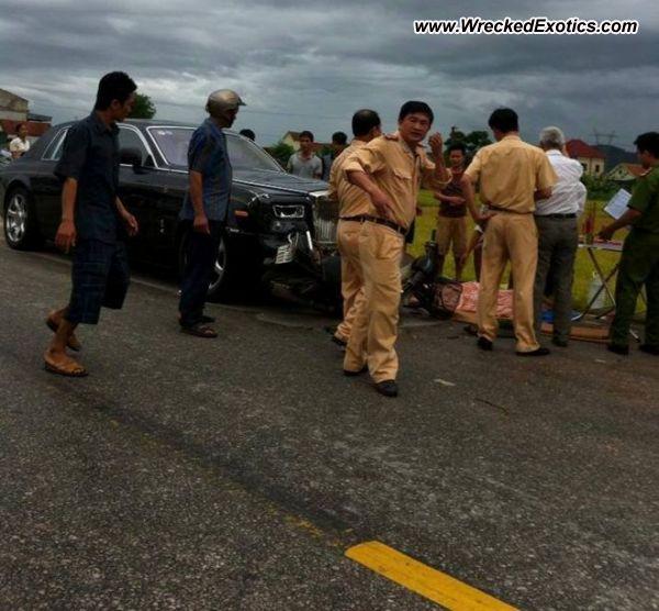 Bmw Z8 Salvage: Rolls Royce Phantom Wrecked, NgheAn, Vietnam