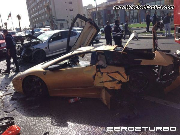 lamborghini murcielago lp 640 wrecked kuwait photo 2. Black Bedroom Furniture Sets. Home Design Ideas