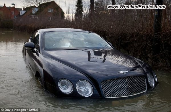 bentley continental gt wrecked gloucestershire england