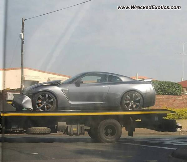 Bmw Z8 Salvage: Nissan GT-R Wrecked, Durban, South Africa