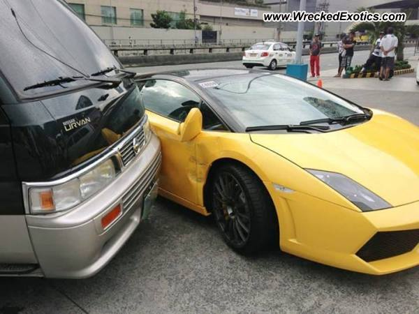 Lamborghini Gallardo Wrecked Manila Philippines