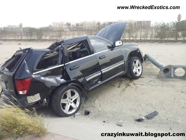 Jeep Grand Cherokee Srt Wrecked Kuwait