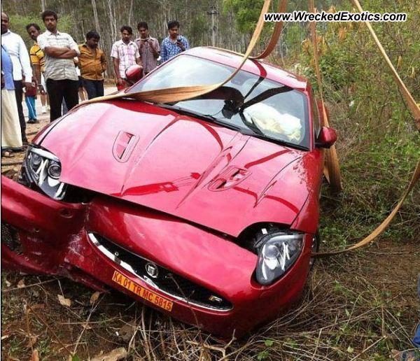 Bmw Z8 Salvage: Jaguar XK-R Wrecked, Mysore, India