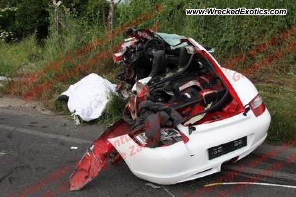 Porsche cayman s wrecked viterbo italy photo 2