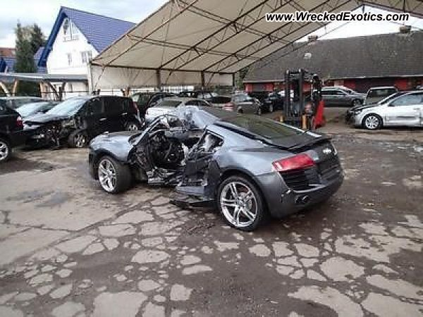 Audi R8 Wrecked Paaren Germany
