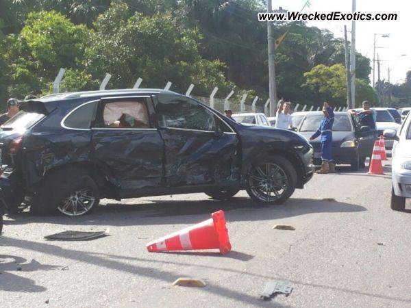 Porsche Cayenne S Wrecked Manaus Brazil