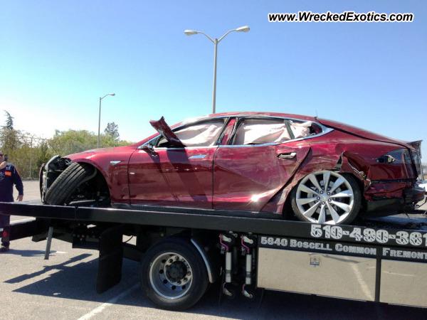 Tesla Model S Wrecked Fremont Ca Photo 3