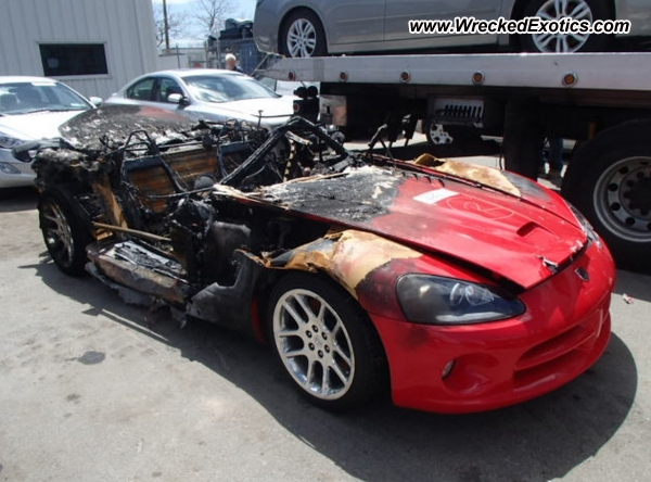 Ordinaire Car: 2005 Dodge Viper SRT 10