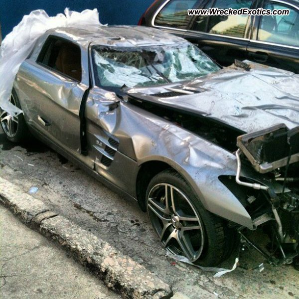 Bmw Z8 Salvage: Mercedes SLS AMG Wrecked, Rio De Janeiro, Brazil