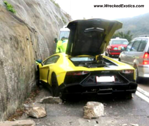 lamborghini aventador 50th anniversary edition wrecked hong kong china. Black Bedroom Furniture Sets. Home Design Ideas