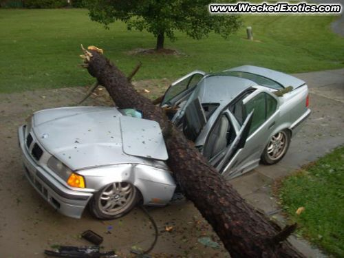 Truck Lease Deals >> Weird and Funny Car Accidents