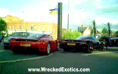 the photo is a bit low quality since it was taken by camera phone but the person who took the photo says the factory rims on the black enzo were spray - Ferrari Enzo Black Rims